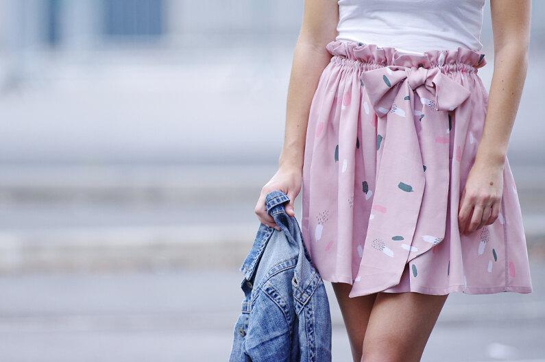 Ivanne s comment coudre une jupe fronc e lastiqu e pour d butant - Patron jupe elastique fille ...
